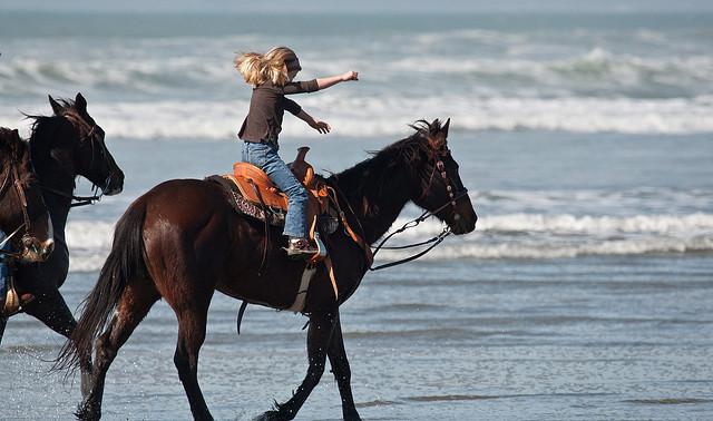 girl-horse-riding