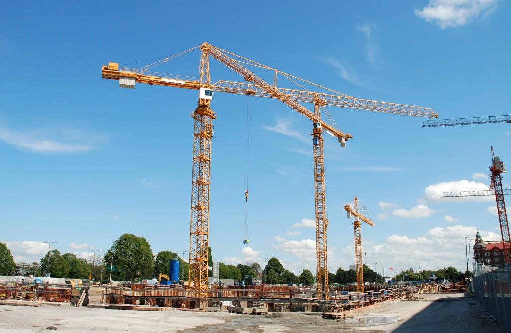 The-Unique-Way-Tower-Cranes-Are-Built