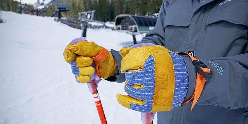 ski-gloves