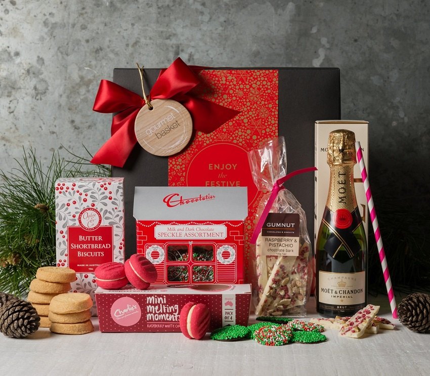 edible christmas gift hamper