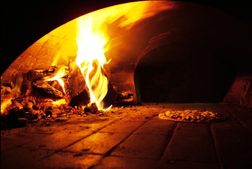 pizza oven wood fire brick